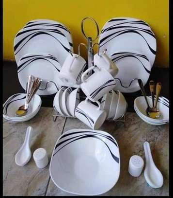 Quandra dinner set image 1