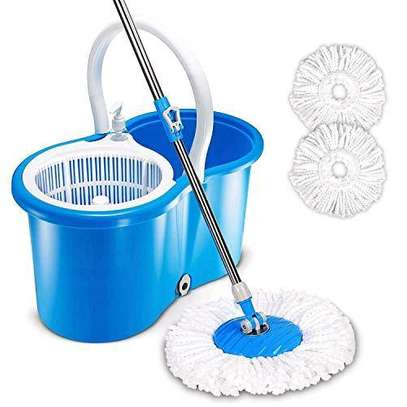360° spin mop with two mop pads image 1