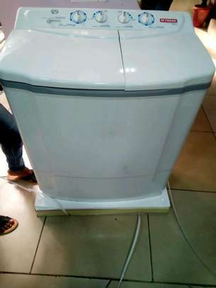 Fresh twin tub semi automatic washing machine 9 kg wash and spin FWT10500NA image 1