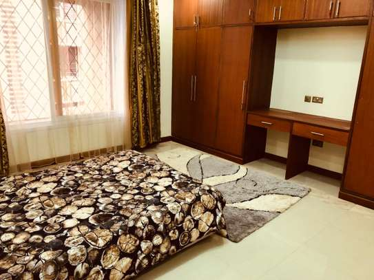 Furnished 3 bedroom apartment for rent in Hurlingham image 8