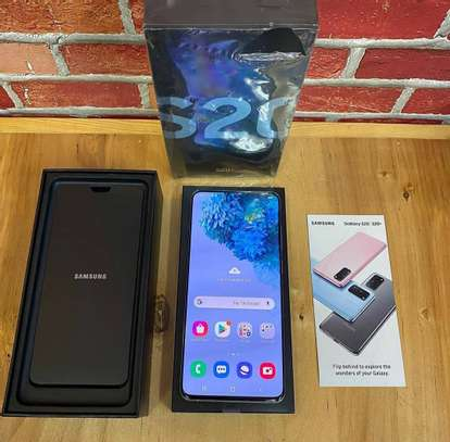 Samsung galaxy s20 plus 512gb image 1