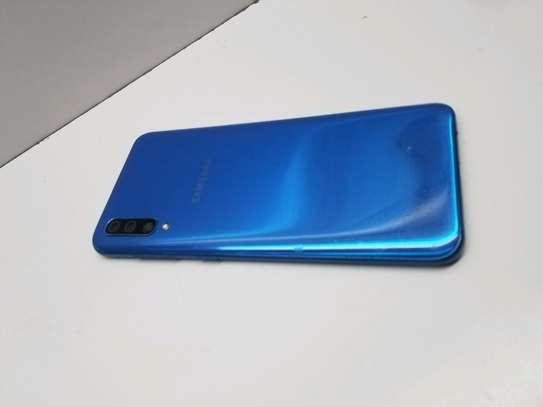 Samsung A50 image 2