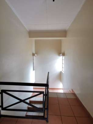 4 bedroom townhouse for rent in Mountain View image 4