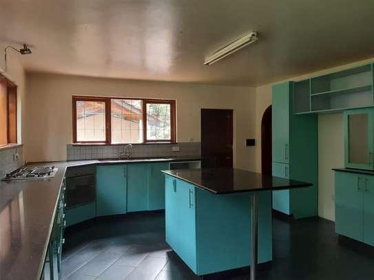 Furnished 6 bedroom house for rent in Karen image 15