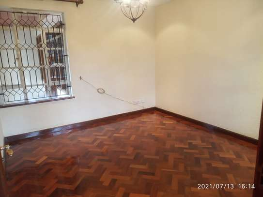 Spacious 4 bedroom home to to let@ Garden estate image 6