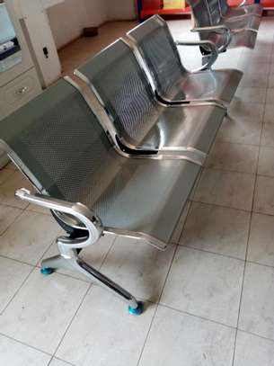 Non padded waiting chair image 1