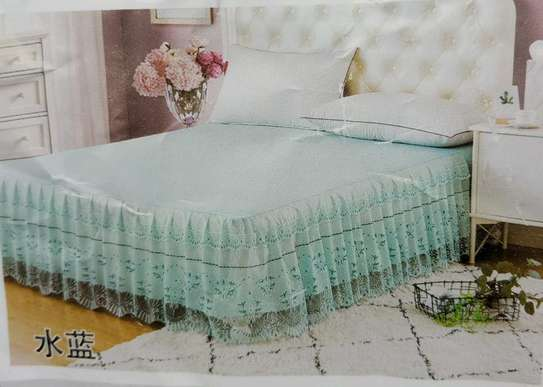 Bed skirts image 3