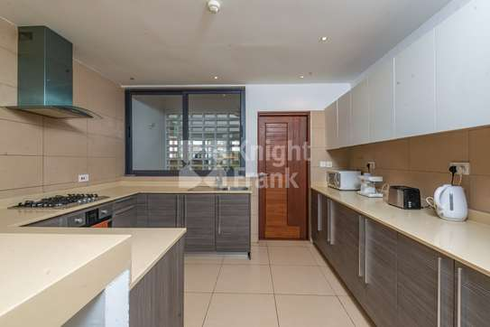 Furnished 3 bedroom apartment for sale in Bamburi image 5