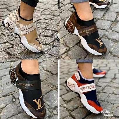 Louis vuitton sneakers image 1