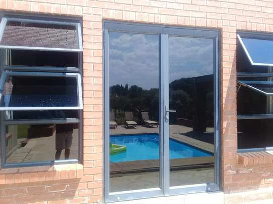 Glass tinting service   Specialist Window Film Fitters - Best Choice Of Designs image 3