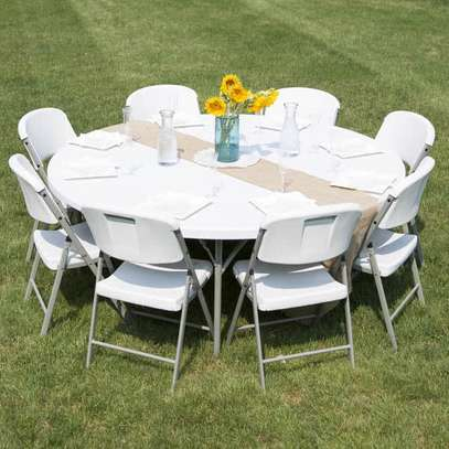 HEAVY DUTY FOLDABLE PLASTIC TABLES