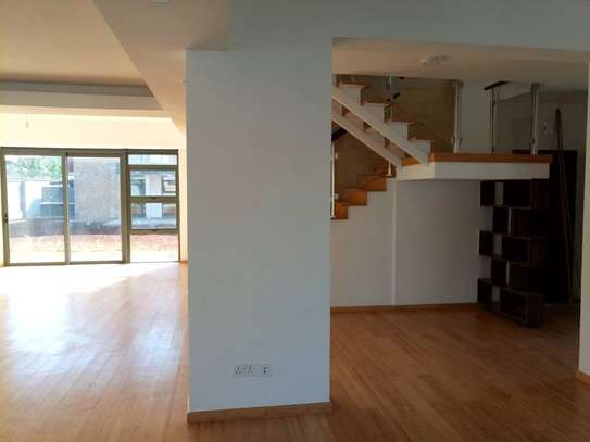 Executive 4 Bedroom Townhouse For Rent In Garden Estate  At Kes 225K image 6