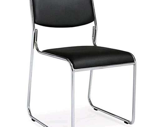 Waiting chair in black image 1