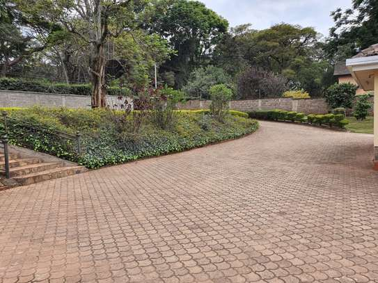 Furnished 3 bedroom house for rent in Rosslyn image 2
