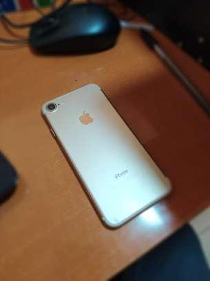 iPhone 7 32gb image 4