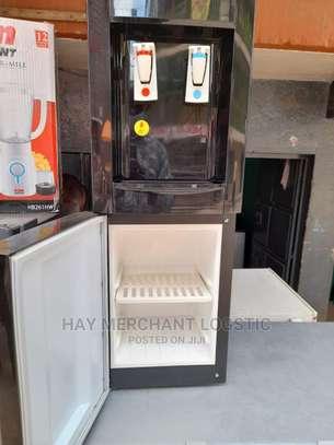 Water Dispenser Von Hotpoint image 2