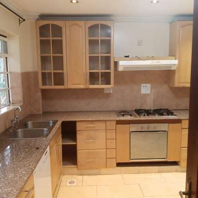 4 bedroom townhouse for rent in Lavington image 7