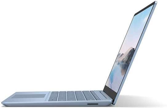 "Microsoft Surface Laptop Go - 12.4"" Touchscreen - Intel Core i5 - 8GB Memory - 256GB SSD - Ice Blue image 4"