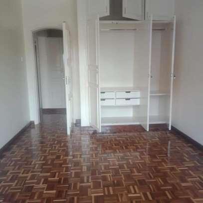 Spacious 3 bedroom apartment in Kileleshwa area image 7