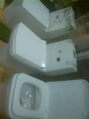 Unique Washroom Chairs image 1