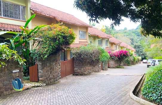 4 bedroom townhouse for rent in Riverside image 2