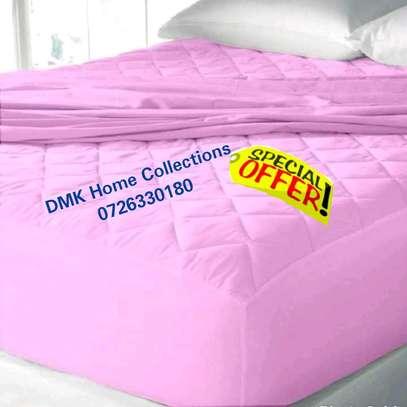 Waterproof mattress protectors image 1