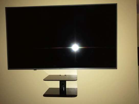 TV wall mounting services image 1