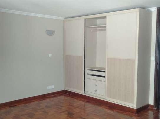 Riverside - Flat & Apartment image 15