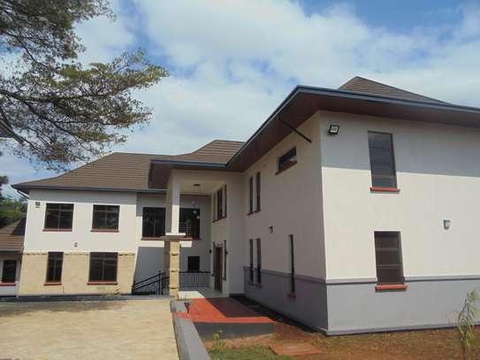 6 bedroom house for rent in Runda image 2