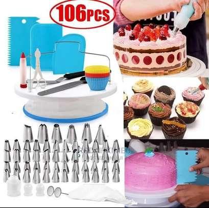 Cake Decorating Set image 1