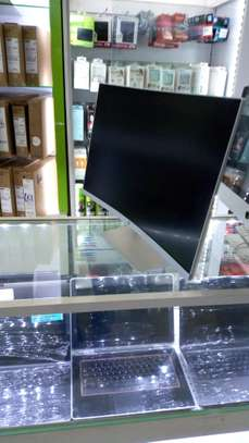 hp 27 curved IPS Display LED Wight image 4