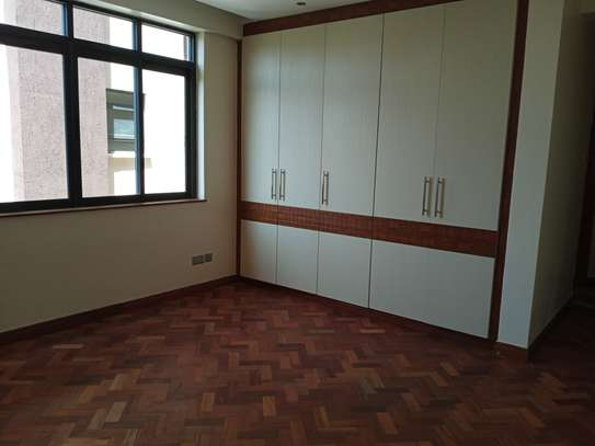 3 bedroom apartment for rent in Riverside image 9