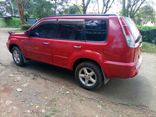 Nissan Extrail image 2