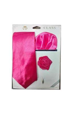 SET TIE=(Tie + Lappel flower + Pocket square) 3 IN 1 diffrent  colors available.