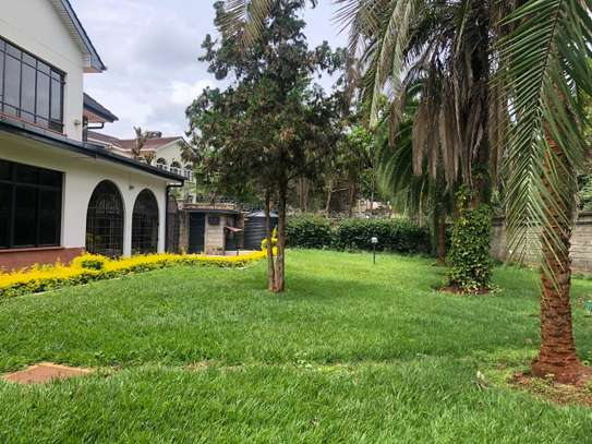 6 bedroom house for rent in Gigiri image 8
