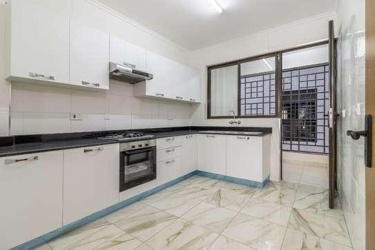 Furnished 2 bedroom apartment for rent in Kilimani image 5