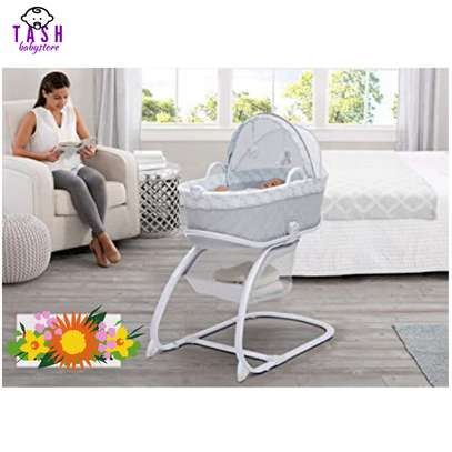 Delta Children Deluxe 2-in-1 Moses Bedside Bassinet Portable Crib image 2