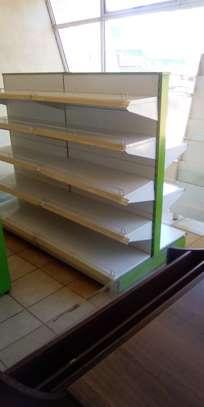 Shop shelves and display units image 4