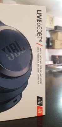 JBL LIVE 650BTNC Wireless Over-Ear Noise-Cancelling Headphones image 6