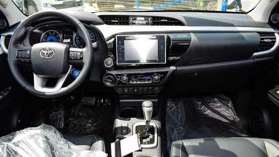 Toyota Hilux image 3
