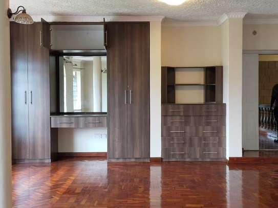 5 bedroom house for rent in Kitisuru image 3