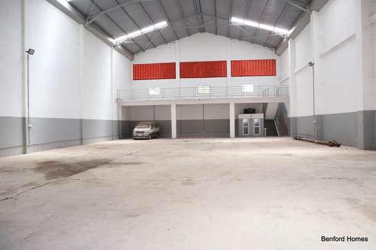 6000 ft² warehouse for rent in Mtwapa image 6