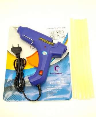 Hot Melt Glue Gun with 5 Glue Sticks image 1