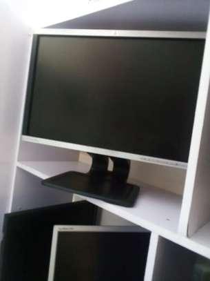 22'' hp monitor image 1