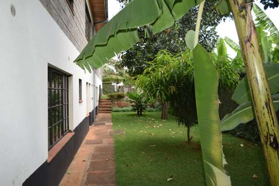 3 bedroom house for rent in Gigiri image 13