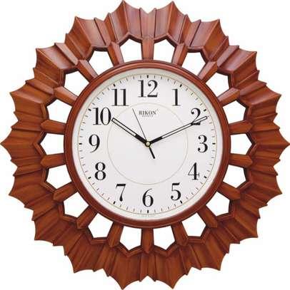 Big Rikon Quartz wall clock 50 cms diametre- flower shaped frame image 1