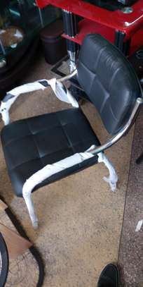 Office chair with arms image 1