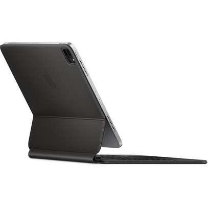 "Apple Magic Keyboard for 11"" iPad Pro image 4"