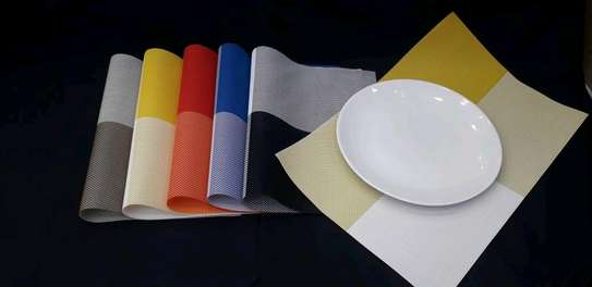6 piece plastic table mats for placing plates image 1