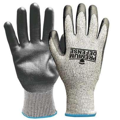 Cut resistant gloves image 2
